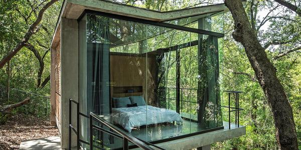 Dom jednorodzinny House in the Woods, WEYES Estudio